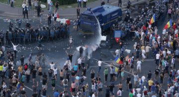 440 de persoane au fost rănite la mitingul de vineri seară