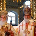 Patriarhia Rusiei suspendă relaţiile cu Patriarhia Constantinopolului după acordarea independenție Bisericii Ortodoxe din Ucraina. Ce urmează?
