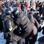 Cel puțin 40.000 de oameni au ieşit în stradă la Moscova să ceară eliberarea lui Navalnîi. Peste  2000 de arestări VIDEO