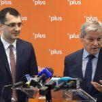 Cioloş: La niciun punct din protocol nostru nu este trecut că dacă într-o seară se enervează premierul poate să revoce pe oricine doreşte el pentru că îi permite Constituţia