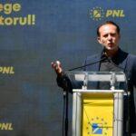 Cîțu răspunde cu o poză atacului lui Orban