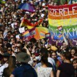 Mii de persoane au participat la marşul Pride din Budapesta pentru a protesta împotriva legii anti-LGBTQ a lui Orban